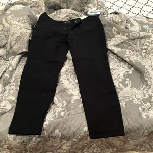 Old navy  black pixie ankle length size 6